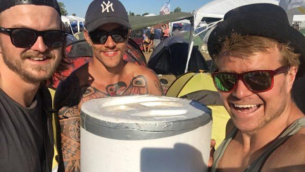 Isterninger til festival - Roskilde Festival isterninger - is til festival - køb isterninger til fest - isterninger til festival - is til smukfest - is på festival - køb is på smukfest - køb is på roskilde - køb isterninger til roskilde smukfest